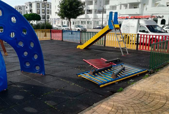 Parque infantil en Barbate